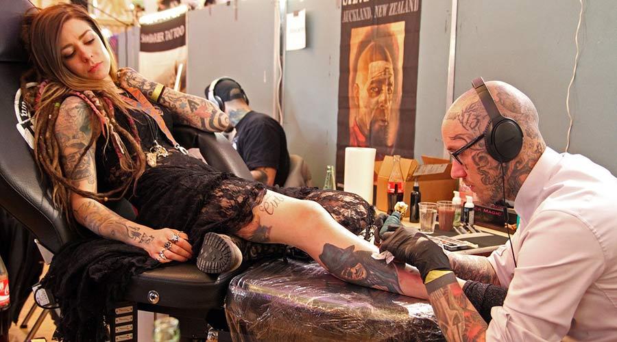 tatoueur frejus